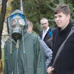 student v plynové masce
