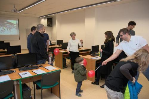 Setkání bývalých učitelů s jejich bývalými žáky v informatice